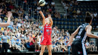 Perth Lynx guard Shyla Heal.