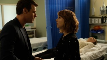 Rodger Corser (Hugh) and Hayley McElhinney (Penny) star in Doctor Doctor.