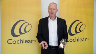 Cochlear chief executive Dig Howitt has pushed ahead with an $850 million capital raising.