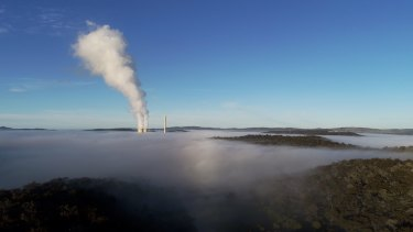 Pollution controls on Mt Piper and two other coal-fired power stations in NSW were akin to those you would find in a lesser developing nation, a US expert finds.