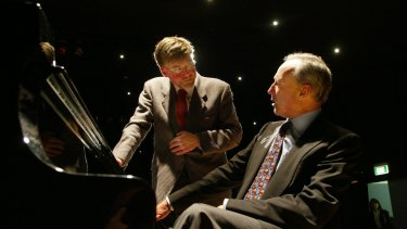 Geoffrey Tozer and Paul Keating at the Australian Institute of Music in 2004.