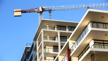 The pace of housing construction is slowing in Sydney.