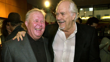 Beatty, kiri, berfoto pada tahun 2000 bersama Robert Altman yang mengarahkannya di Nashville tahun 1975.