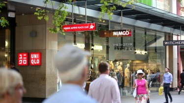 Credit and debit card figures point to a tougher period for retailers through Christmas.