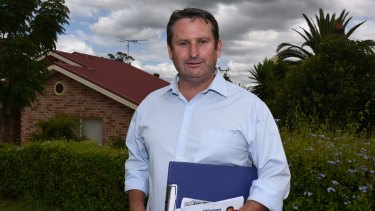 Labor MP Greg Warren is calling for the NSW Auditor-General to investigate the state government's handling of the Stronger Communities Fund.