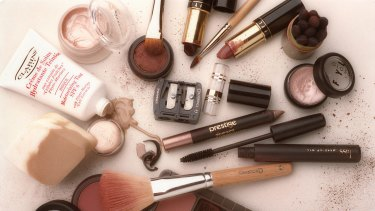Applying a little makeup can have a positive affect on your earning power.