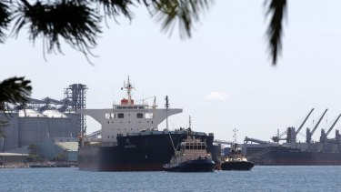 Coal ship Akatsuki  leaves  the Port of Newcastle bound for Japan.