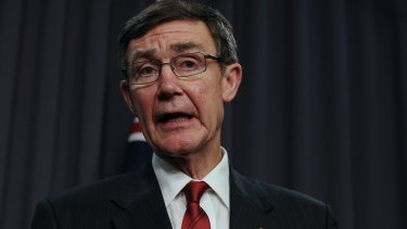 Retired Air Chief Marshal Angus Houston has been appointed to chairman of the Murray Darling Basin Authority.
