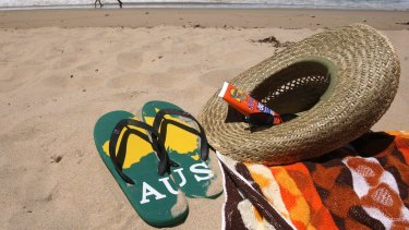 The Aussie throngs wear thongs, but not to your citizenship ceremony, please.