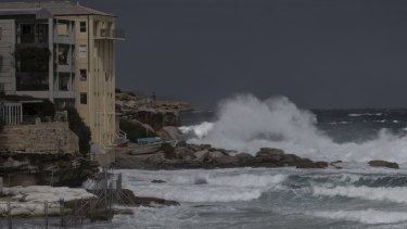 Large waves impact at Bondi as damaging southerly winds hit Sydney