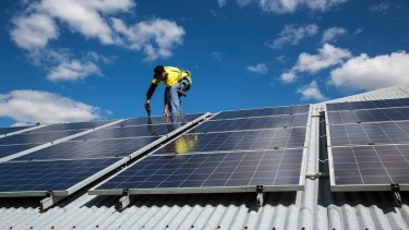 Labor has pledged up to $1 billion in funding to install solar panels on schools, creating 'virtual power plants'.