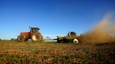 Grain-growers are expecting a weekend drenching.