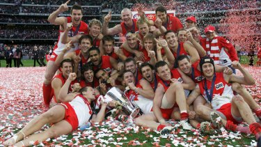 The Sydney Swans after their breakthrough flag in 2005.