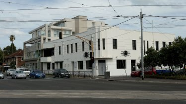 The Greyhound Hotel in St Kilda before demolition.