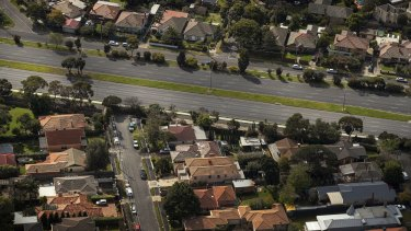 House values in Melbourne fell by 4 per cent through the past quarter and for the year so far are down by 2.5 per cent.