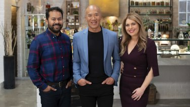 Dr Charlie Teo (centre) is joined by Family & Women's Health Expert Dr Ginni Mansberg and Associate Professor in Immunology, Ashraful Haque in SBS' Medicine or Myth?