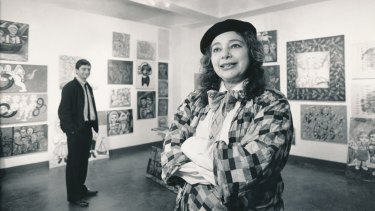 Mirka Mora with her son, William Mora, in his new gallery, 1987.