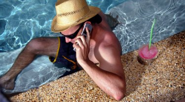 A new study shows mobile phones do not cause brain cancer.