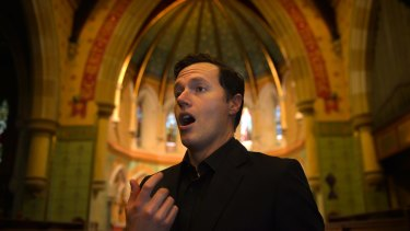 Tenor Andrew Goodwin sang the opening lines of Comfort ye … with a smooth tone of splendid bloom.