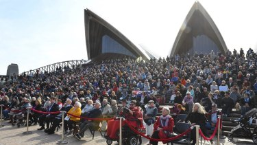 Hundreds on the Opera House steps for Bob Hawke's memorial service.