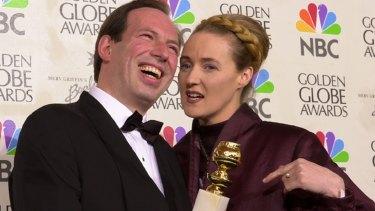 Hans Zimmer and Lisa Gerrard with their Golden Globe for best original score for Gladiator.