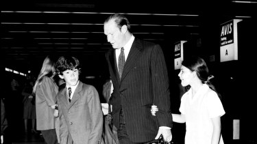 Kerry Packer, with his children James and Gretel Packer.