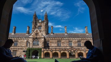 Students in the main quadrangle at Sydney University.