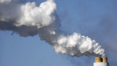 Emissions rise from a coal-fired power station in the US.