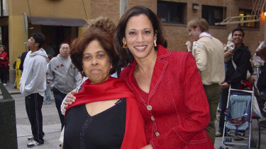 Harris with her late mother Shyamala Gopalan in 2007.