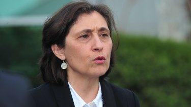 Energy and Environment Minister Lily D'Ambrosio is giving the PM an ultimatum on energy policy.
