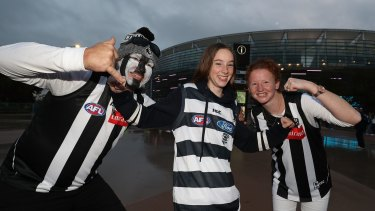 Collingwood fans show their support during the round 7 AFL match between the Geelong Cats and the Collingwood Magpies at Optus Stadium.