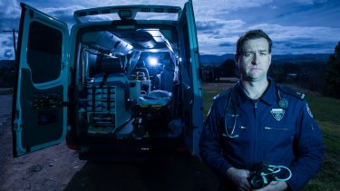 Paramedic John Larter is challenging NSW vaccination mandates in court.