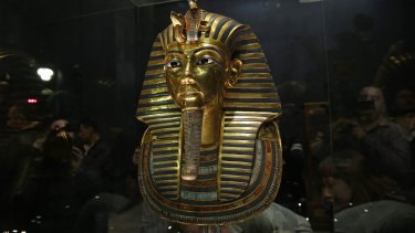 The famous gold mask of King Tutankhamun.