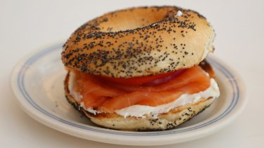 Smoked salmon is a likely source of recent listeriosis cases.