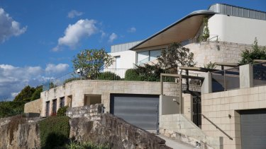 The exterior of Huang Xiangmo's mansion in Mosman.