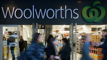 A major investor has raised concerns that Woolworths' pubs business could be a risk to its reputation.