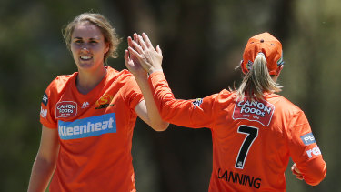Katherine Brunt's fiancee Nat Sciver with the Scorchers.
