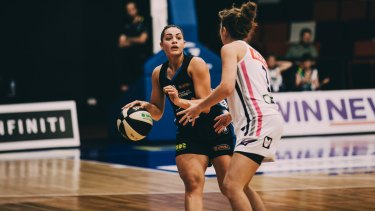 WNBL: University of Canberra Capitals Vs Adelaide Lighting. Canberra's Maddison Rocci. Photo: Jamila Toderas