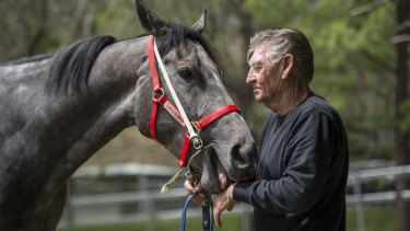 Les Bridge with Classique Legend before last year's Everest.