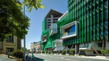 A Nine News Galaxy Poll shows 52 per cent of people would keep the Lady Cilento Children's Hospital name and that 51 per cent of people polled believe the government is lying why it should be renamed.