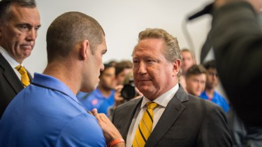 Billionaire Andrew Forrest, who leapt to the Force's aid, has a heart to heart with Hodgson in 2017.