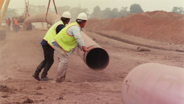 The deal would give the Hong Kong-listed CKI control of the majority of Australia's gas transmission pipelines.