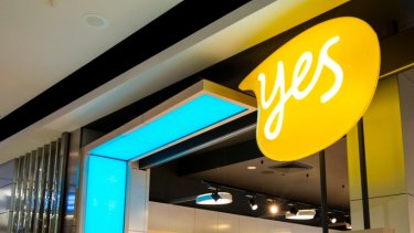 Optus has told staff it will be cutting another 440 people from the telco's ranks.