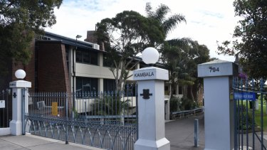 Kambala, in Sydney's eastern suburbs, has settled a defamation case with former principal Debra Kelliher.