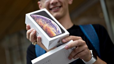 The new iPhone XS died 21 minutes earlier than last year's iPhone X.
