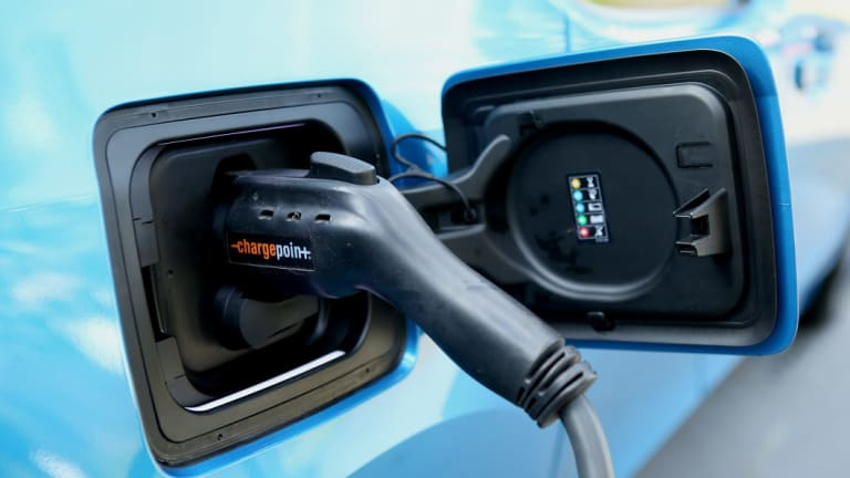 Plugging into home storage and other smart devices could help the NSW government create a 'virtual battery' to assist the state's energy grid.