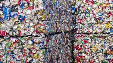 Environment groups have called on the Andrews government to bring back a cash-for-cans recycling scheme.