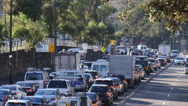 Prime Minister Scott Morrison says he will tackle concerns about crowding and traffic congestion in Sydney and Melbourne.