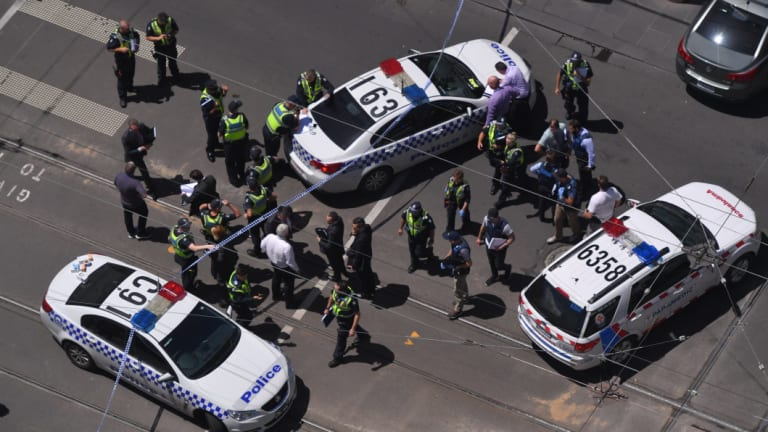 Police lock down Bourke Street Mall in 2017.
