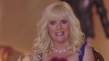 Jennifer Elise Cox - aka Jan Brady - stars as Tandy.